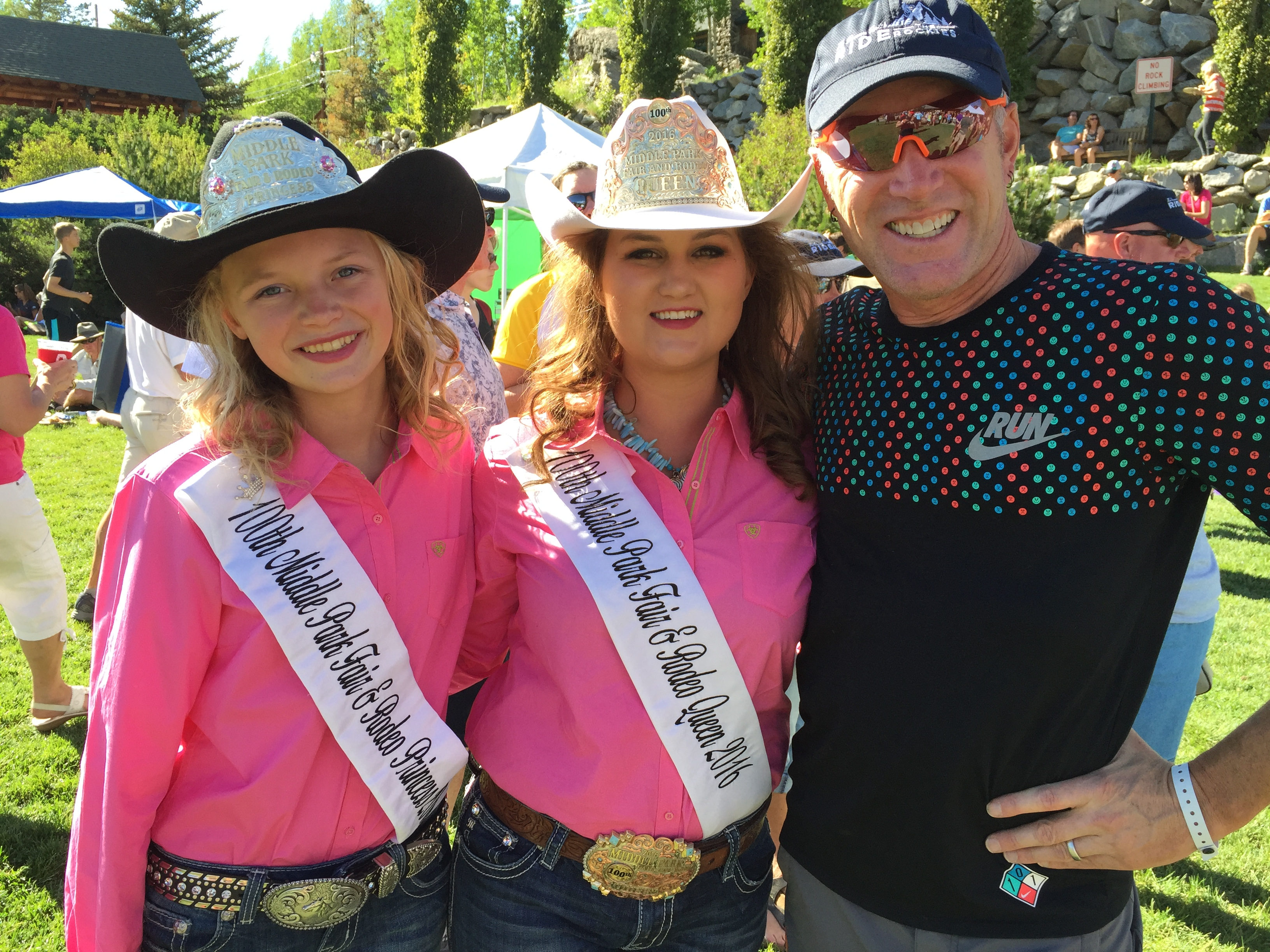 Colorado Walt Out West Rodeo Bundling 6 Donald Lewis Enjoys Attention From Queens In Grand Lake